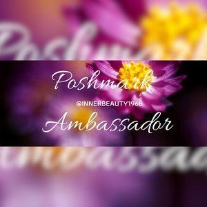 POSHMARK AMBASSADOR 💜 SHOP WITH CONFIDENCE!